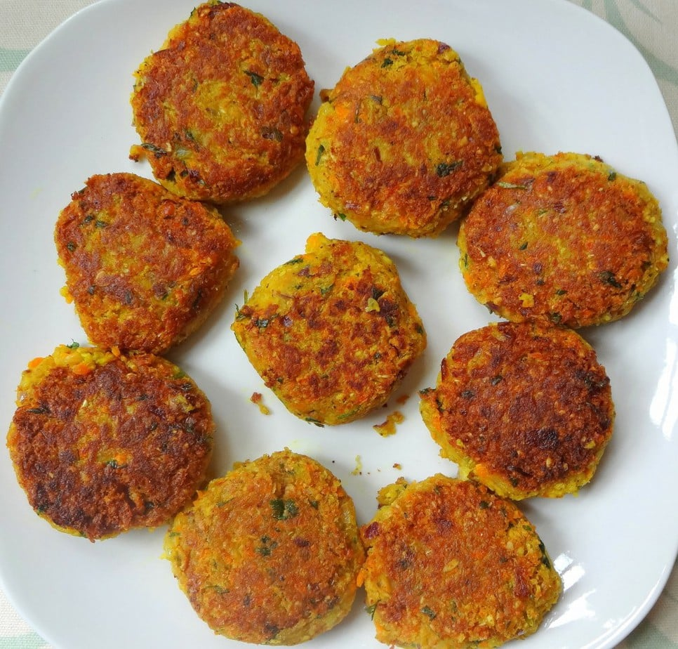 Low Fat, High Carb Vegan Falafel - from theglowingfridge.com