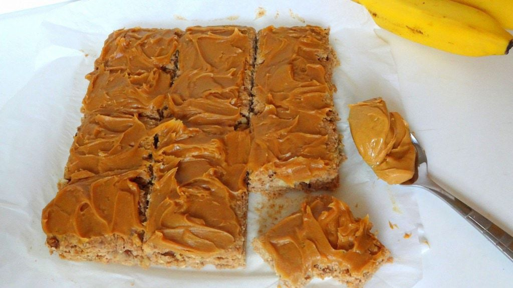 Cinnamon Banana Walnut Bars with Peanut Butter Frosting - Vegan - from theglowingfridge.com