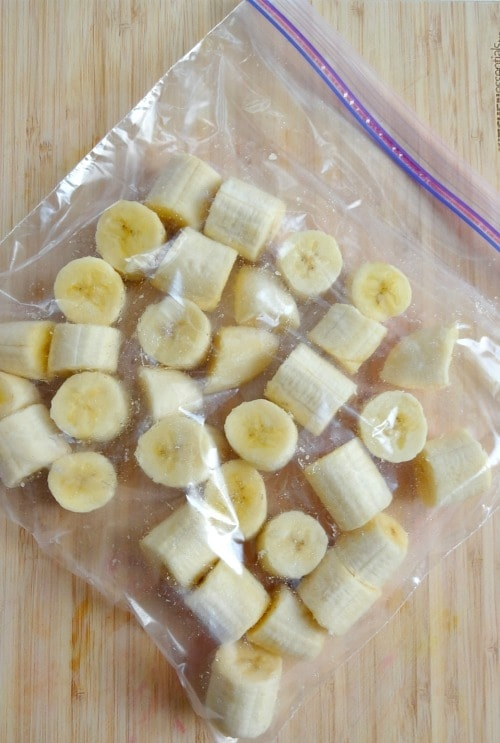 How to Freeze Bananas for smoothies, smoothie bowls and banana ice cream!