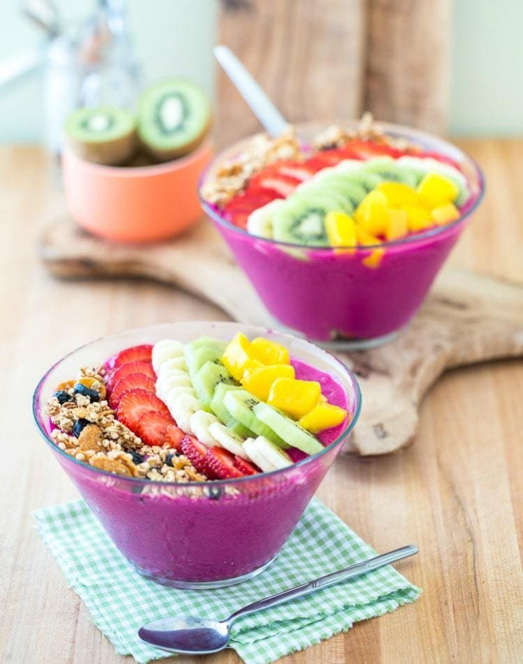 Gorgeous Vegan Smoothie Bowls to Up Your Instagram Game