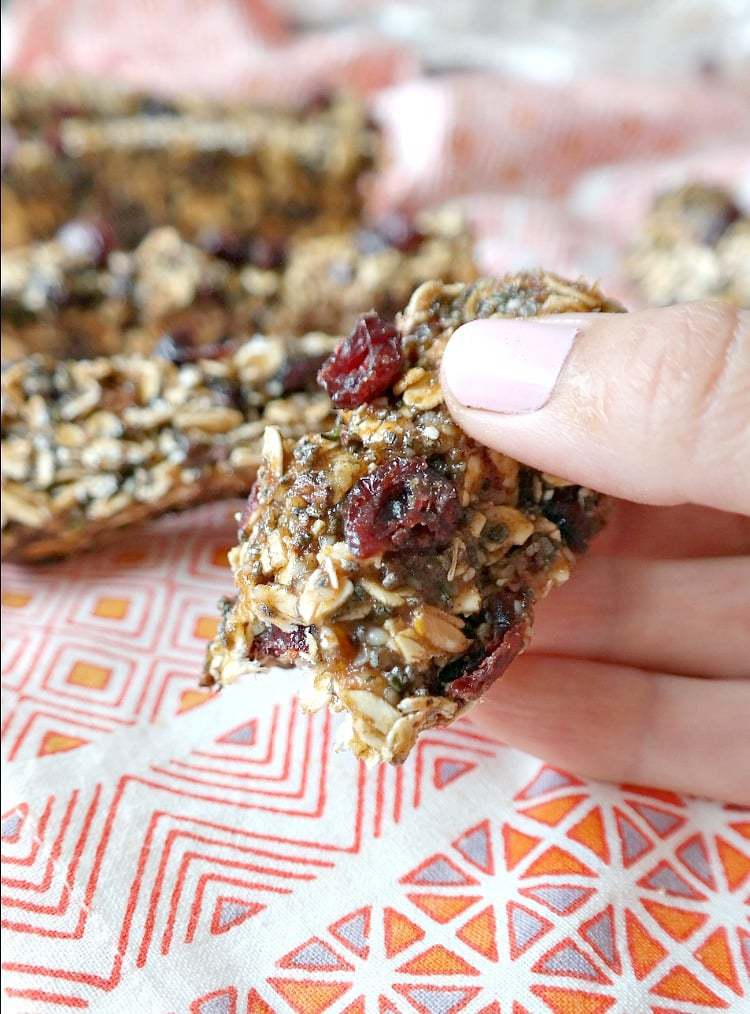 Chewy Almond Butter Granola Bars. No-Bake, Vegan, Gluten-Free, Oil-Free and can be made Nut-free! Chewy and gooey homemade bars for healthy fuel. Packed with nutrient-dense superfoods and no added sugar! #vegan #snack #bars #nobake