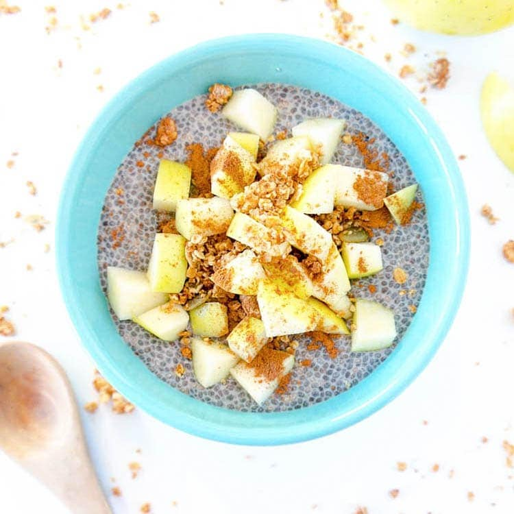 What I Ate: 9 Plant Based Breakfast Ideas. Apple Pie Chia Seed Pudding