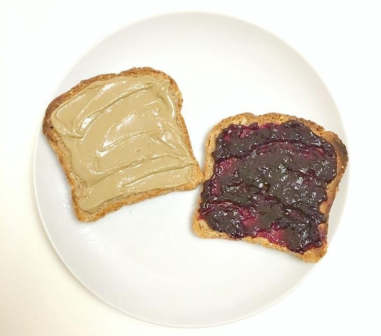What I Ate Wednesday - Vegan PB & Jelly