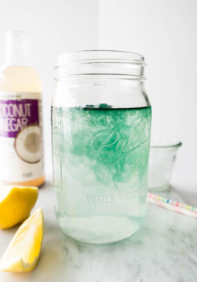 Mermaid Lemonade. Refreshing, Detoxifying and Naturally Energizing. Made with spirulina, lemon and coconut vinegar to replace your morning lemon water! #mermaid #lemonade
