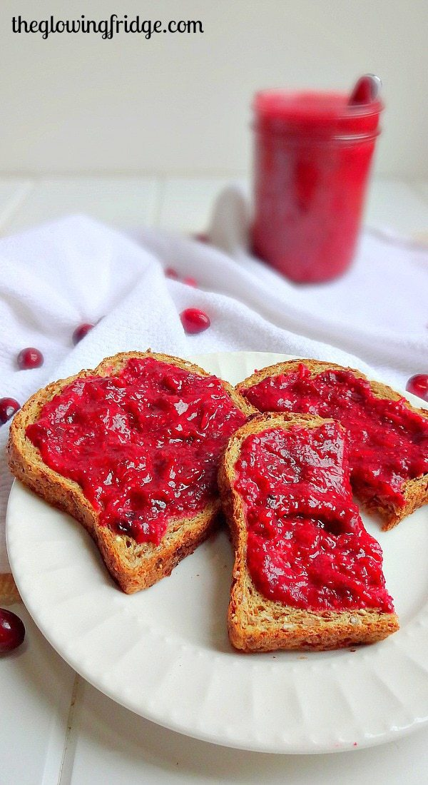 Cranberry Raisin Chia Jam - Seasonal and Vegan Superfood Jam. Super easy to make and tastes amazing on toast, in oatmeal or on crackers. From The Glowing Fridge