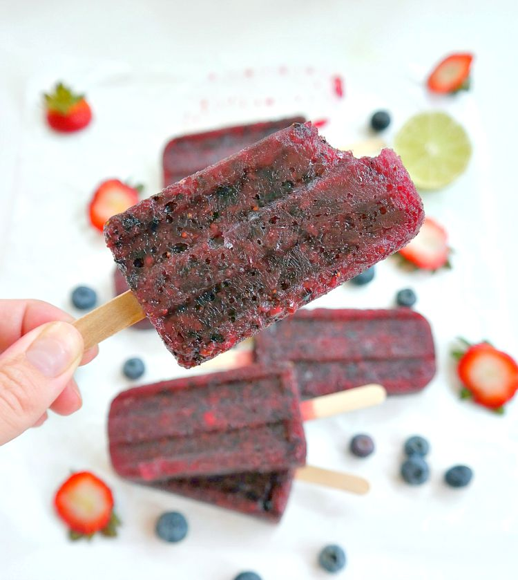 Boozy Berry Wine Pops - vegan - refreshing, light and slightly sweet with notes of smooth merlot, a hint of balsamic and a touch of fresh lime. Absolutely delicious. From The Glowing Fridge.