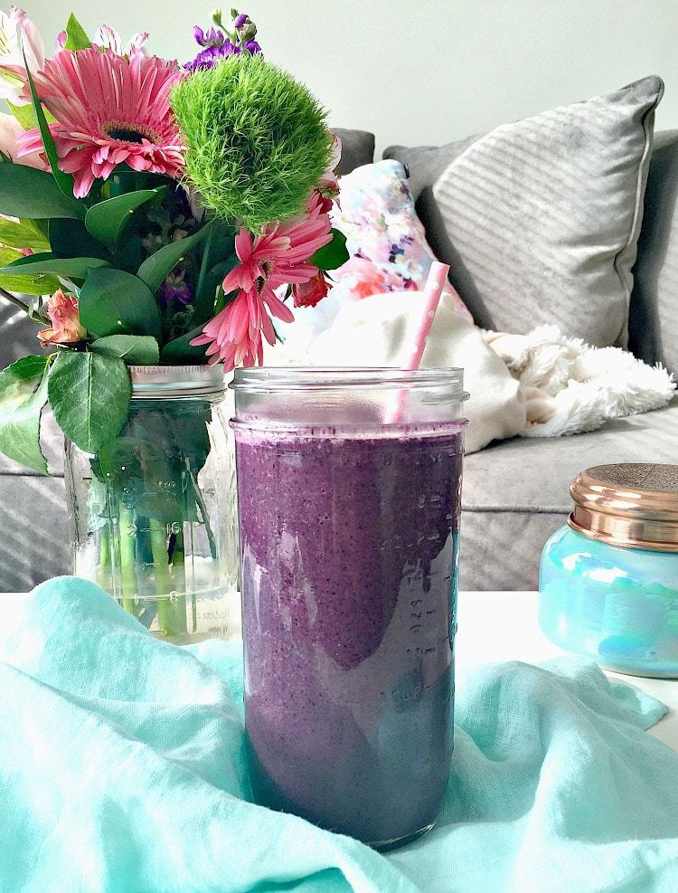 Superfood Berry Smoothie - What I Ate Wednesday - VEGAN, Plant Based & Healthy! From The Glowing Fridge
