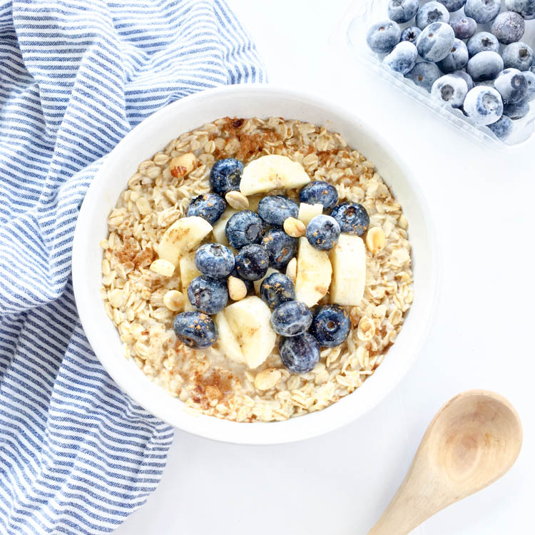 What I Ate: 9 Plant Based Breakfast Ideas. Cinnamon Maple Oats made with almond milk and flax. A healthy, energizing vegan power breakfast.
