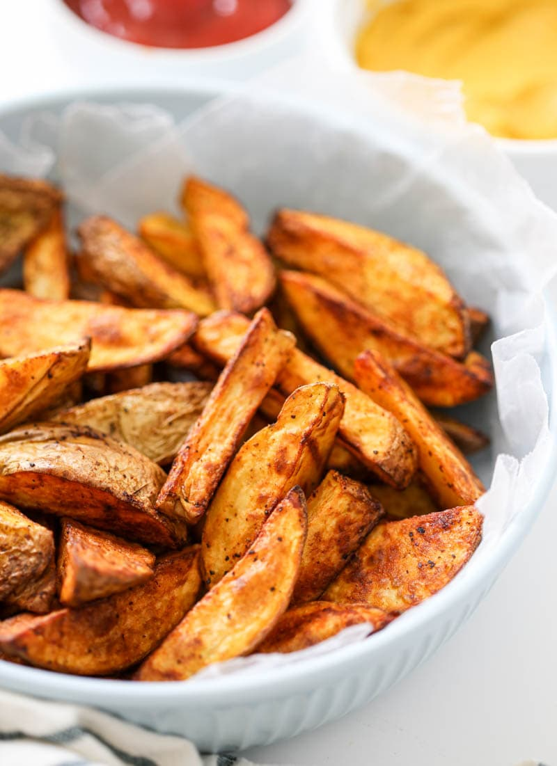 Crispy Air Fryer French Fries. Made in the Magic Chef Air Fryer, these are quick, easy, perfectly crispy and done to total perfection! Made with healthier oil too. #french #fries #airfryer
