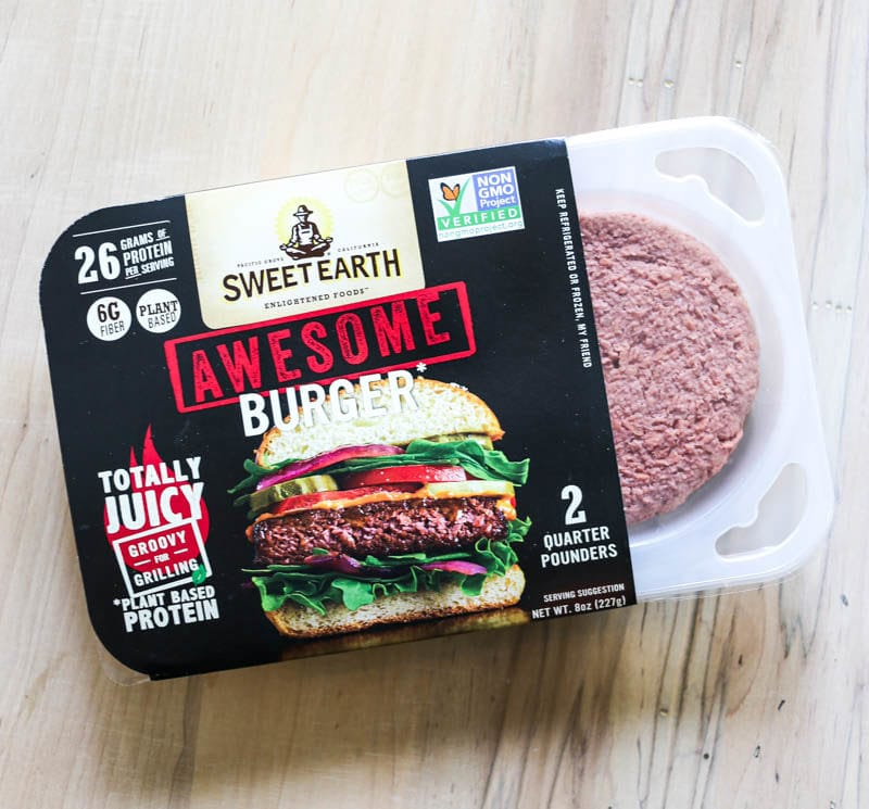 Sweet Earth Foods Plant-Based Awesome Burger. juicy, meaty deliciousness of a traditional burger with plant-based nutrition, the Awesome Burger provides an excellent source of 26g of protein, 6g of fiber and spot-on flavor. #AwesomeForAll #AwesomeBurger #SweetEarth #plantbased #burger
